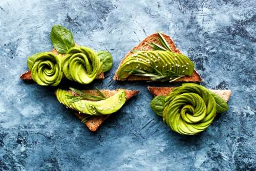 Avocado rose toasts