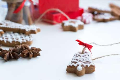 Christmas cinnamon gingerbread detail