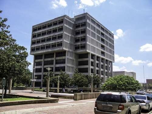 Baton Rouge City Hall in Louisiana free photo