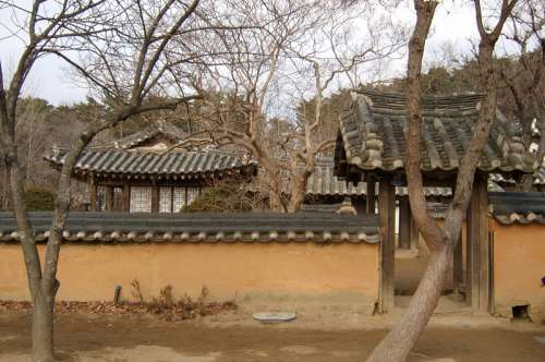 Birth house of Heo Nanseolheon, Korean Poet in Gangneung, South Korea free photo