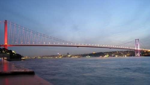 Bosphorus Bridge in Istanbul, Turkey free photo