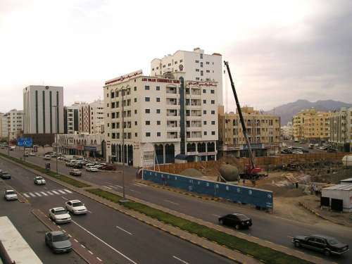 Building construction going on at Fujairah in the United Arab Emirates free photo