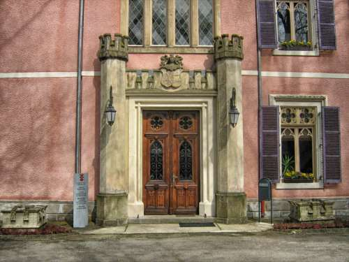 Building doorway in Luxembourg free photo