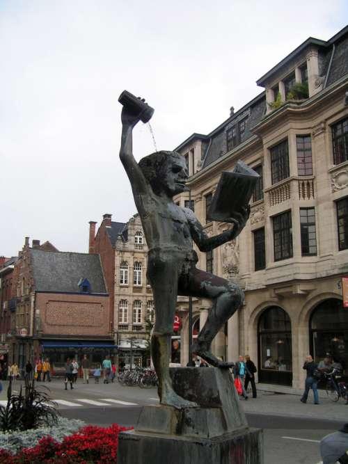 Fonske Statue in Leuven, Belgium free photo