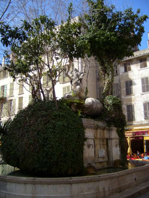 Fontaine des Trois Dauphins, Place Puget , France free photo
