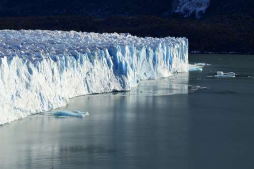 Icebergs and Glaciers at El Calafate, Argentina. free photo