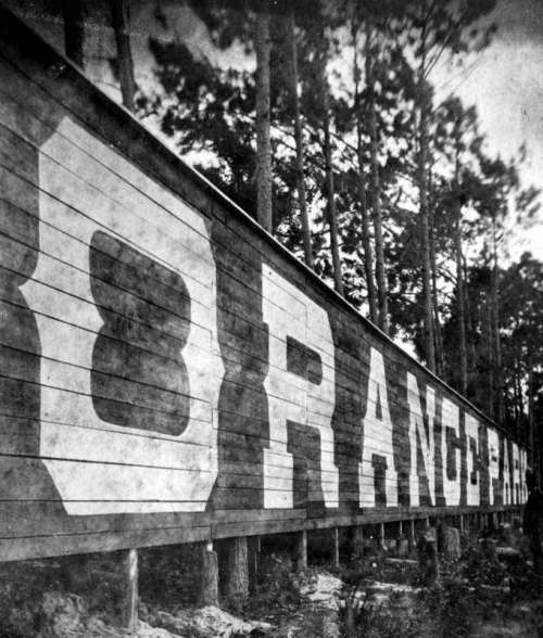 Orange park sign in the 1890s in Florida free photo