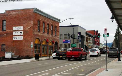 Pacific Avenue in downtown Forest Grove, Oregon free photo