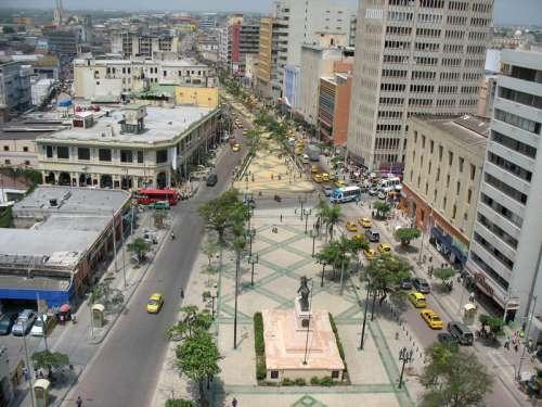 Paseo de Bolívar in Barranquilla, Colombia free photo