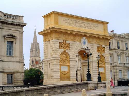 Porte du Peyrou in Montpellier, France free photo