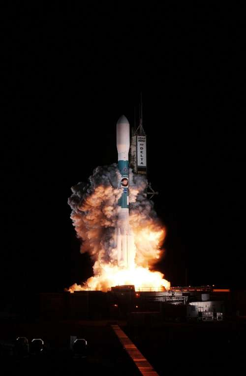 Rocket taking off from Cape Canaveral, Florida free photo