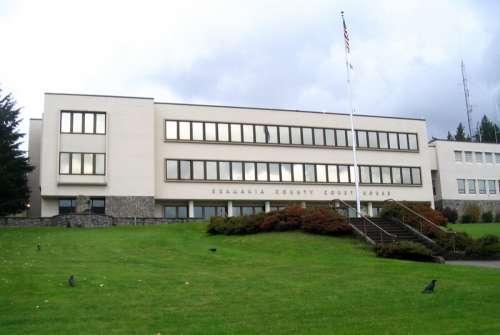 Skamania County Court House in Stevenson, Washington free photo