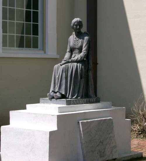 Statue of Evangeline in St. Martinville, Louisiana free photo