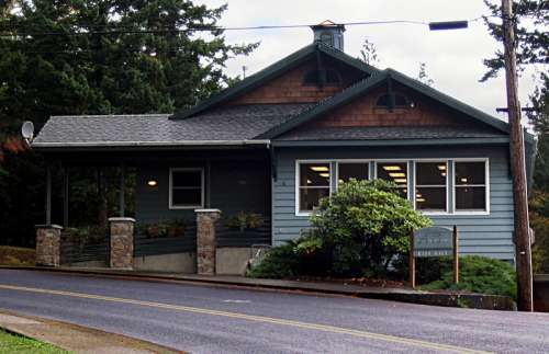 Stevenson city hall building in Washington free photo