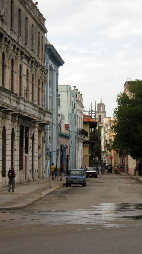Street and buildings in Havana, Cuba free photo