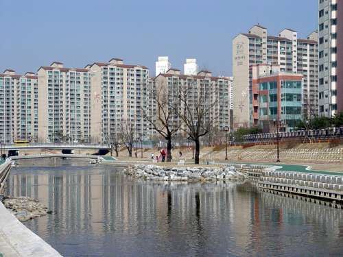 Tancheon area within the Yongin in South Korea free photo