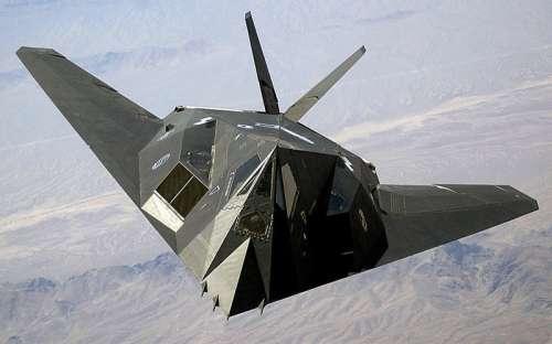 The USAF F-117 Nighthawk in Gulf War free photo
