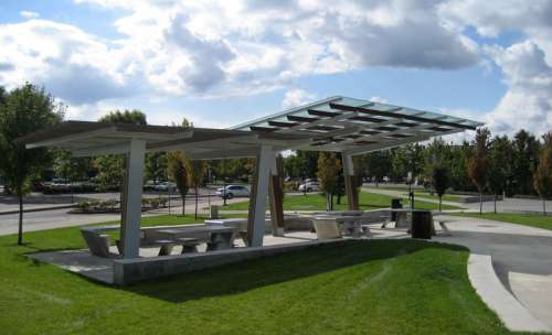 Town Center Park picnic shelter in Wilsonville, Oregon free photo