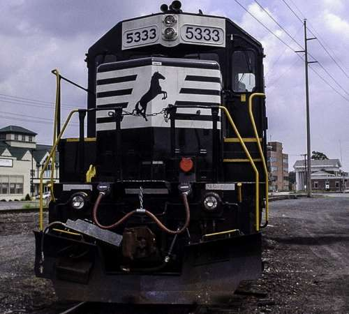 Train on tracks parked in Dover, Delaware free photo