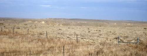 View of the arid high plains in Morgan County in Northeastern Colorado free photo