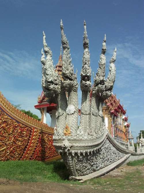 Wat Chalor in Bangkok, Thailand free photo
