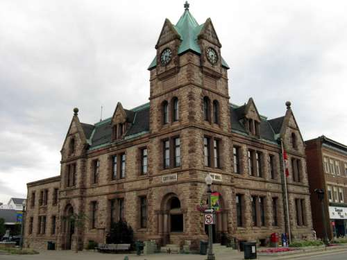 Woodstock City Hall in Ontario, Canada free photo