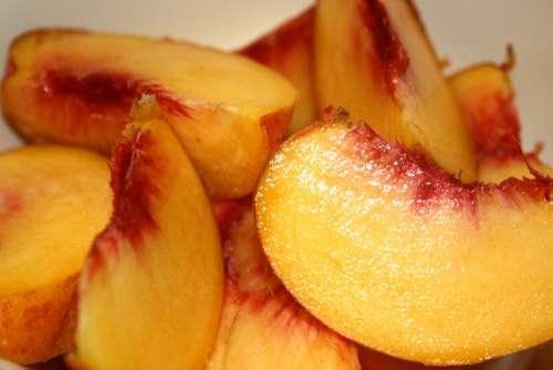 Fresh Peach Slices