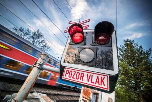 Pozor Vlak Czech Railway Crossing Sign