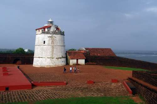 Aguada Fort Lighthouse Portugese Fort 17Th Century