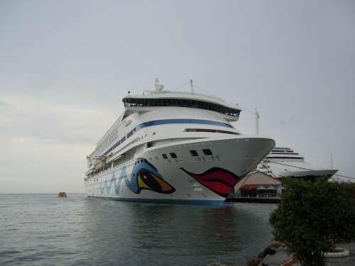 Aida Vacations Sea Driving Cruise Ship Boats