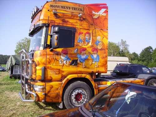 Airbrush Truck Colorful Orange Yellow Graffiti