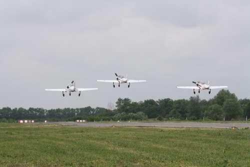 Airplane Airport Flight Aviation Air Show Runway