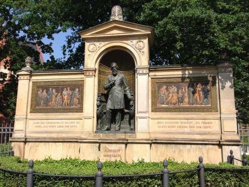 Albrecht Von Graefe Monument Berlin Charité Statue