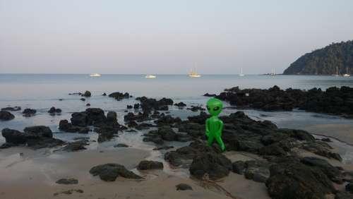 Alien Alie Mars Male Figure Inflatable Sea Coast