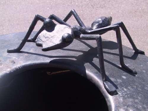 Ant Artwork Crap Bucket Waste Bins Metal Iron