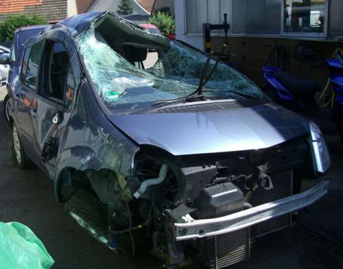 Auto Accident Total Damage Workshop Broken