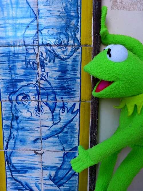 Azulejos Tile Blue Toad Frog Smoking Kermit