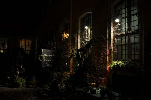 Backyard Hof Night Dark