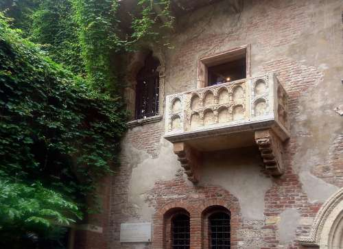 Balcony Verona Romeo Julia Shakespeare Montecchi