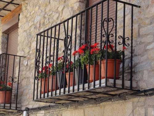 Balcony Flowers Geraniums House Architecture