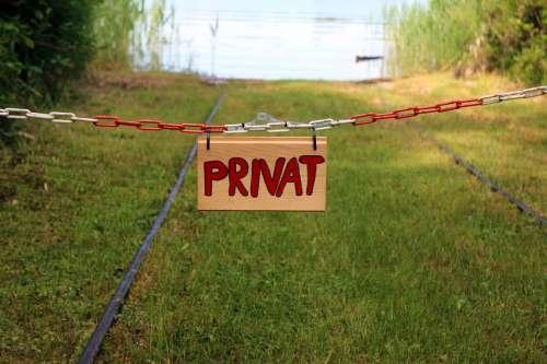 Barrier Chain Shut Off Delimit Demarcation Private
