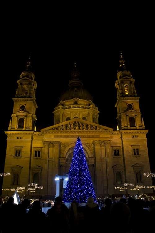 Basilica Budapest Christmas Wood Lighting Color