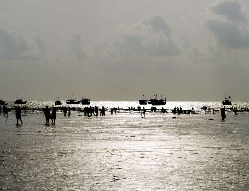 Beach People Ocean India Boats Silhouettes