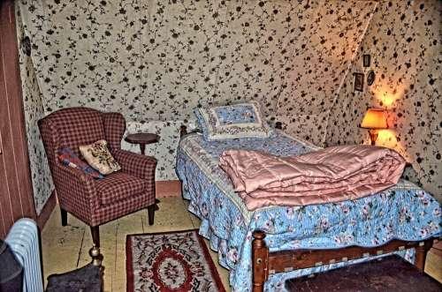 Bedroom Sleeping Old Vintage Wallpaper Bed Room
