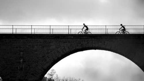 Bike Cyclists More Bike Ride Bridge Cycle Tour