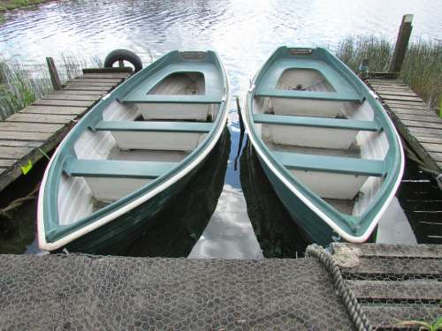 Boats Lake Water Boating Leisure Recreation