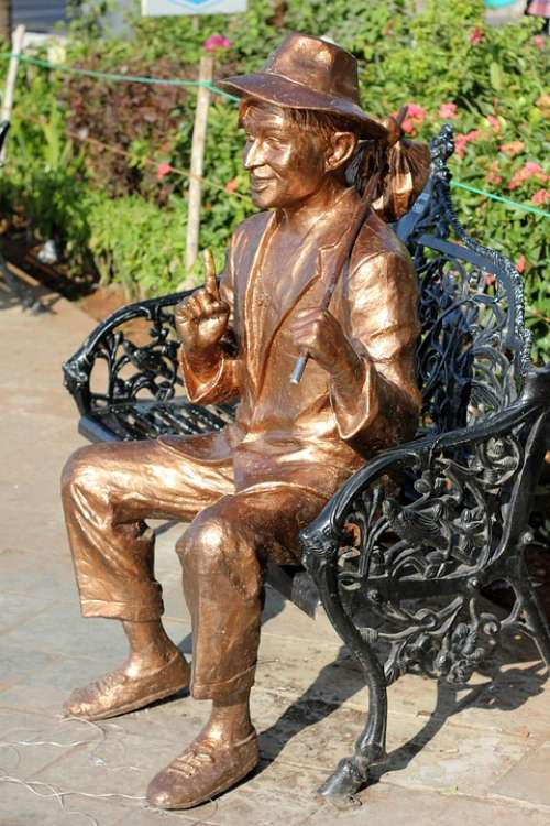 Bollywood Raj Kapoor Statue Bronze