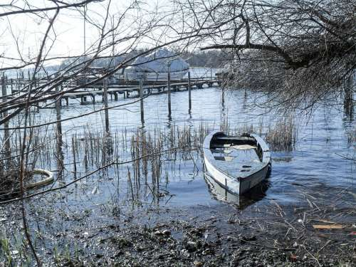Boat Lake Nature Landscape Water Mood Bank