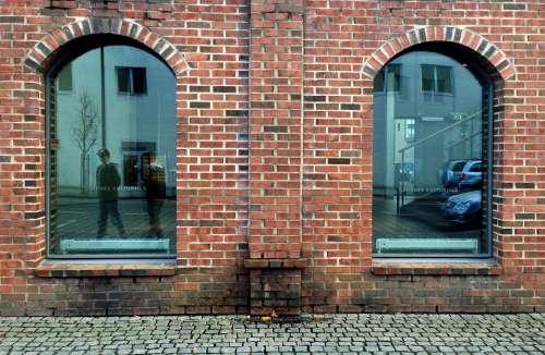 Brickwall City Symmetry Bricks School