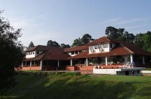 Building Traditional Forest Lodge Holiday Kodagu